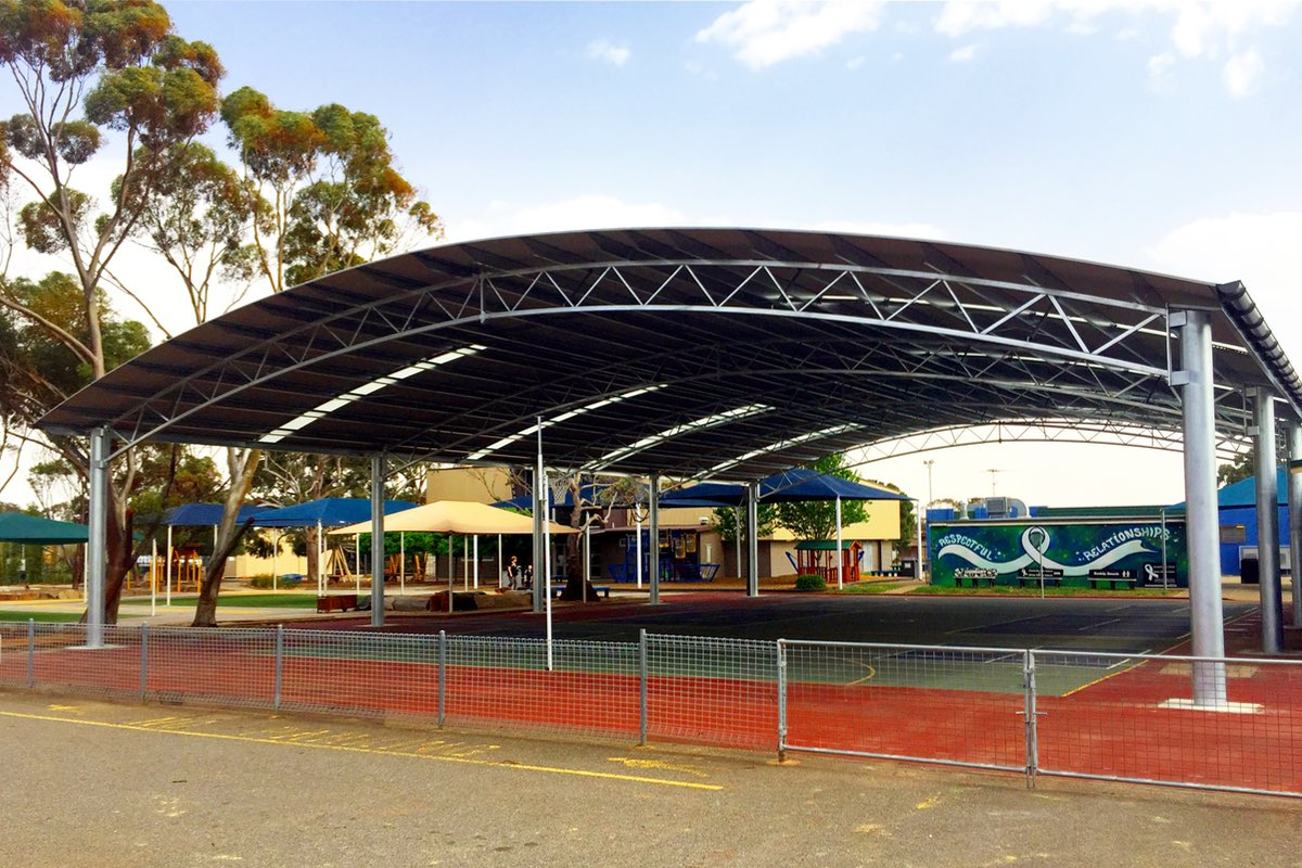 outdoor learning area playground of Elizabeth Vale Primary School in South Australia built by Weathersafe shades